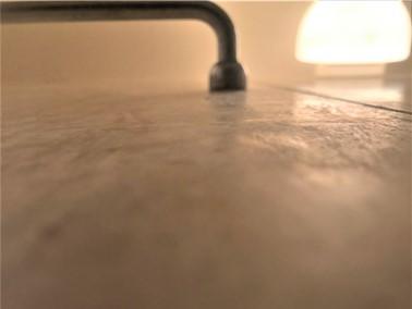 ①空室・浴室クリーニング(壁面①)【施工前】