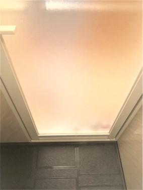⑥空室・浴室クリーニング(浴室扉)【施工後】